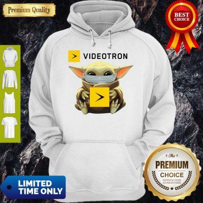 Star Wars Baby Yoda Hug Videotron Mask Covid 19 T-Hoodie