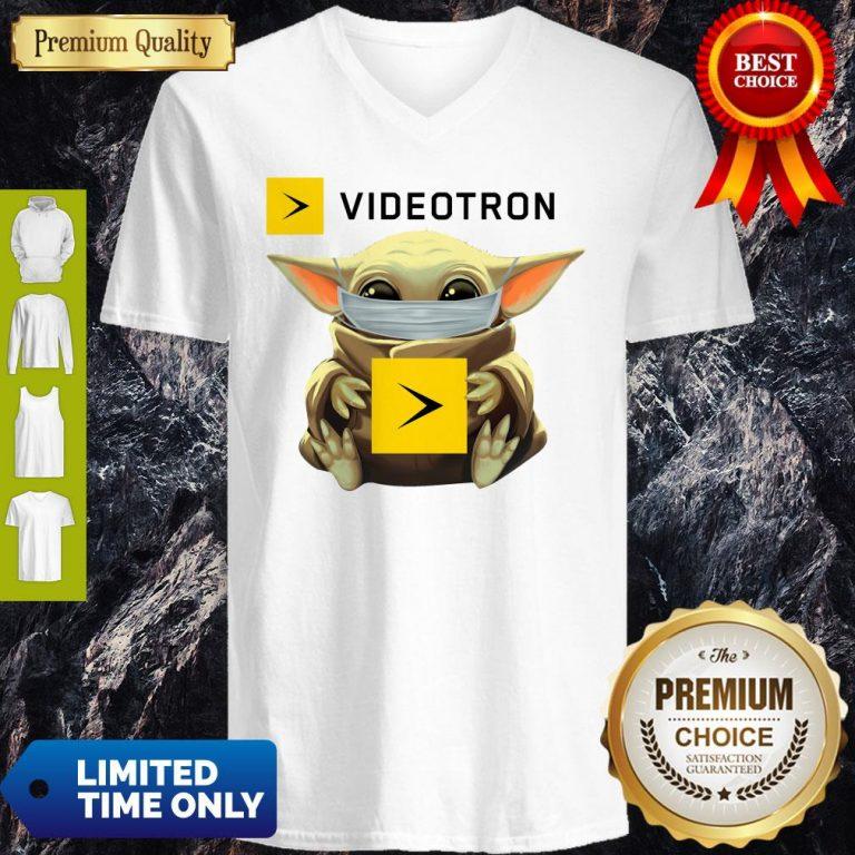 Star Wars Baby Yoda Hug Videotron Mask Covid 19 T-V-neck