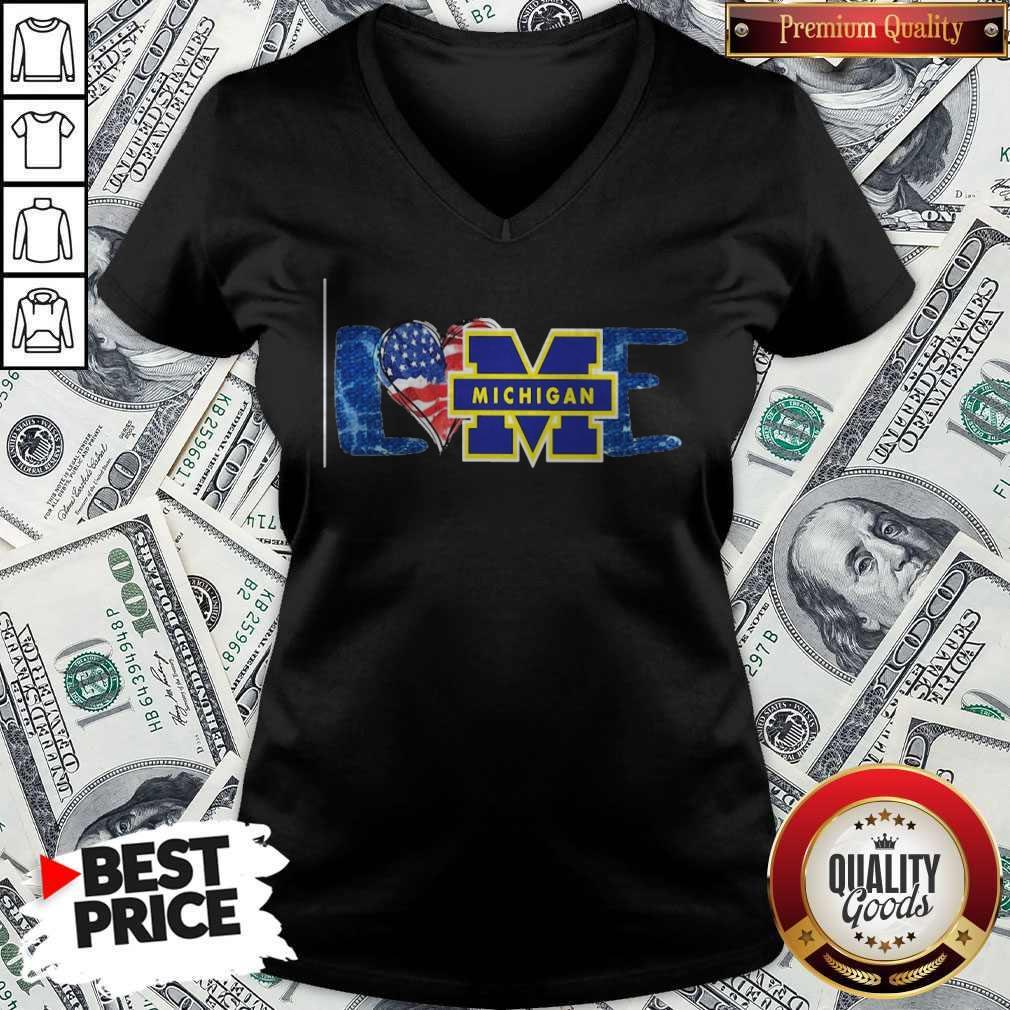 Funny I Love Michigan Wolverines Football American Flag V-neck
