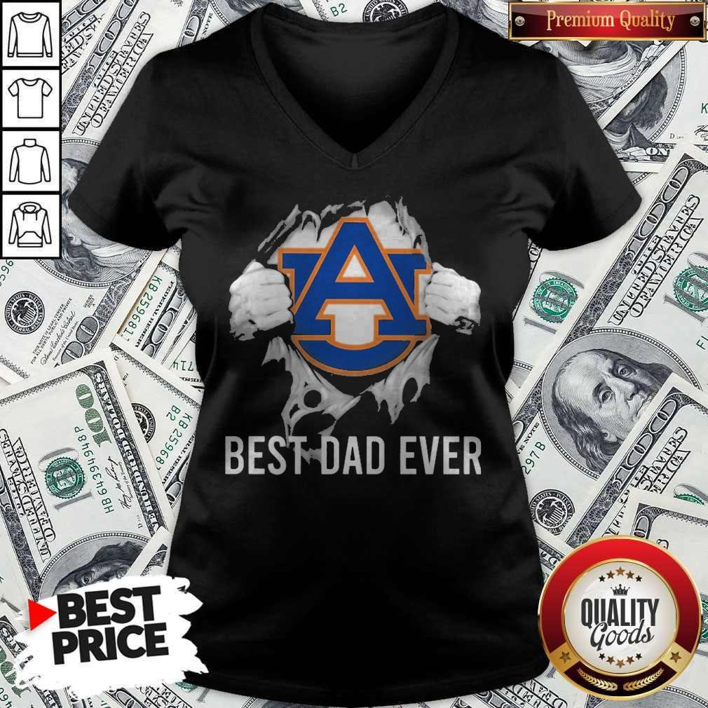 Nice Blood Inside Me Auburn Tigers Best Dad Ever V-neck