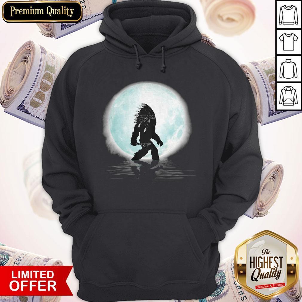 Top Bigfoot American Native Under The Moon Hoodie