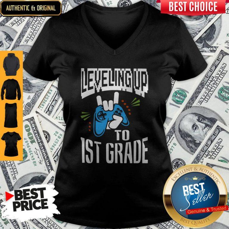 Top Leveling Up To 1ST Grade V-neck