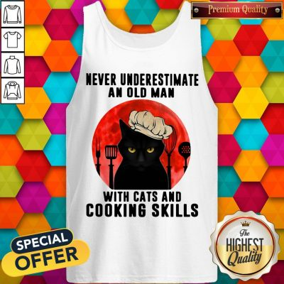 Never Underestimate An Old Man With Cats And Cooking Skills Tank Top