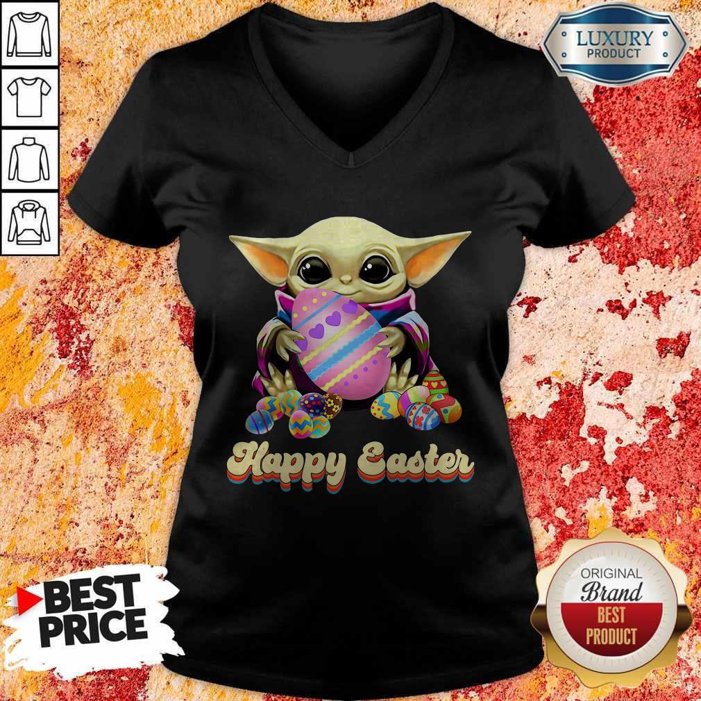 Nice Baby Yoda Hug Easter Egg Happy Easter V-neck
