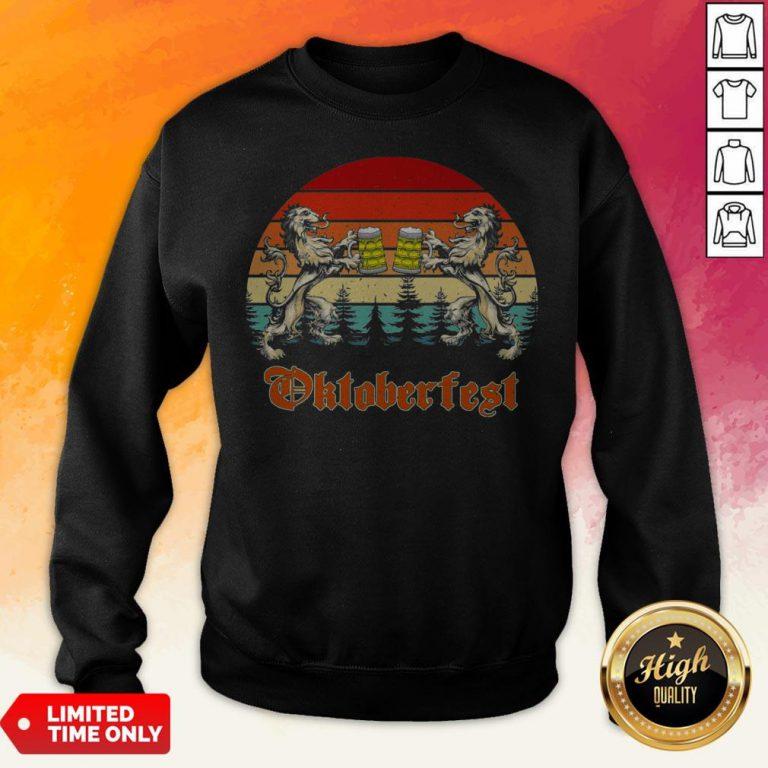 Germany Oktoberfest 2020 Heraldic Lion Drinking Beer Vintage Sweatshirt