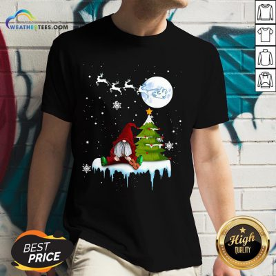 Young Funny Gnome Play Violin Merry Christmas V-neck - Design By Weathertees.com