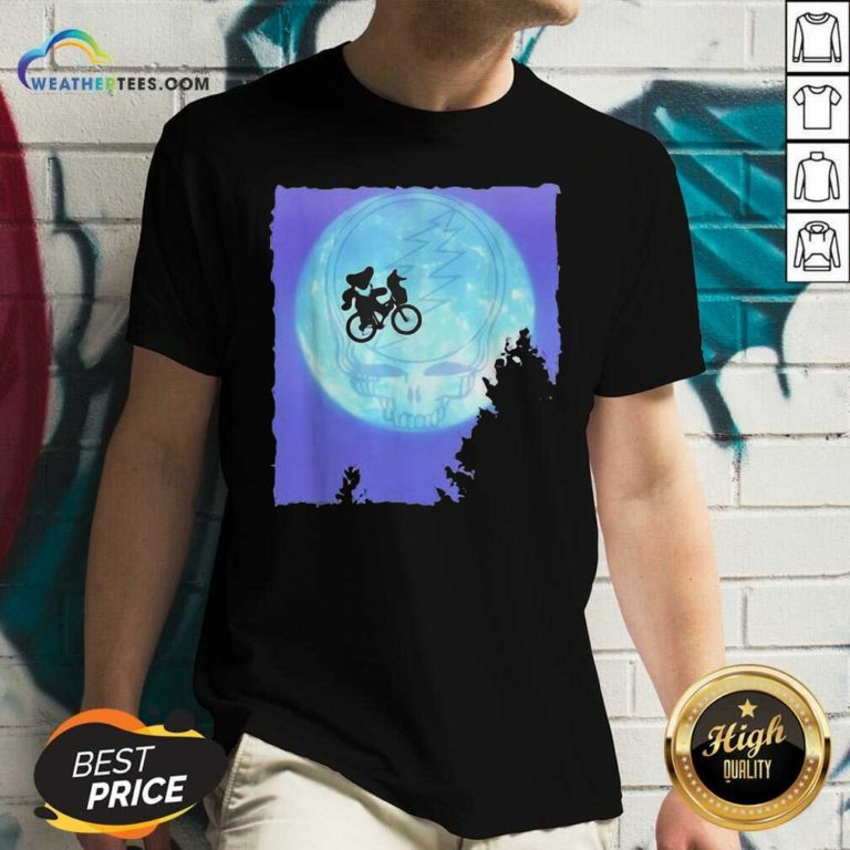 Bear Cycling The Moon Grateful Dead V-neck - Design By Weathertees.com