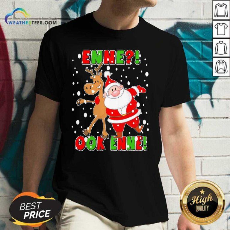 Santa Claus And Reindeer Enne Ook Enne Christmas V-neck - Design By Weathertees.com