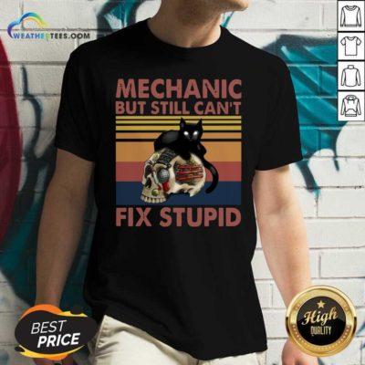 Mechanic But Still Can't Fix Stupid Skull Black Cat Vintage Retro V-neck - Design By Weathertees.com