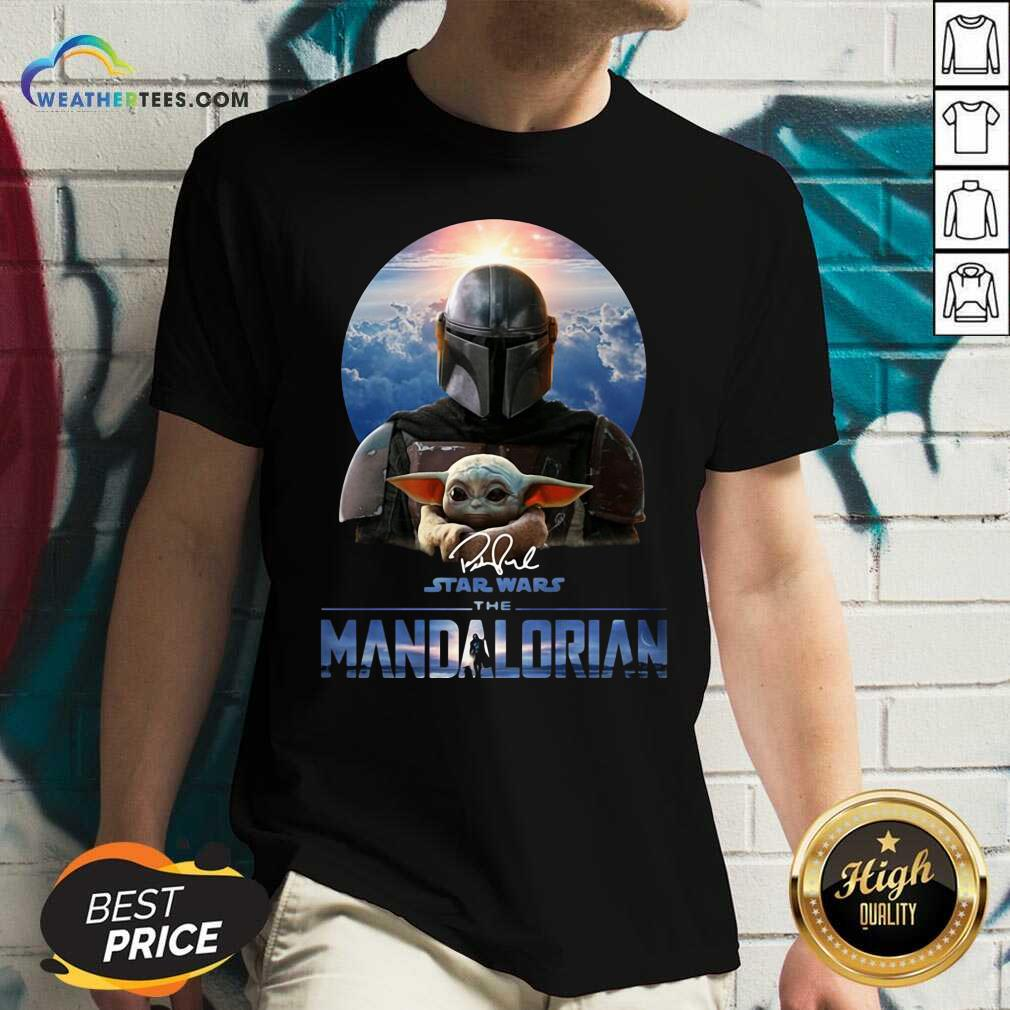 Star Wars The Mandalorian And Baby Yoda Signature V-neck - Design By Weathertees.com