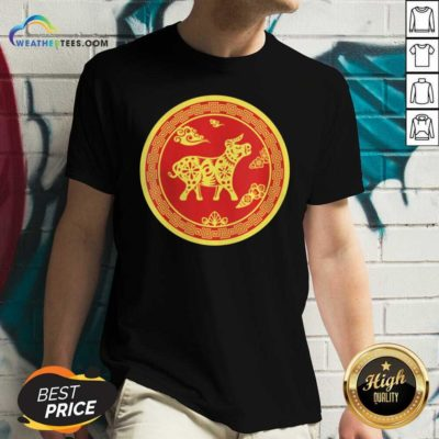 Year Of The Ox 2021 Happy New Year V-neck - Design By Weathertees.com