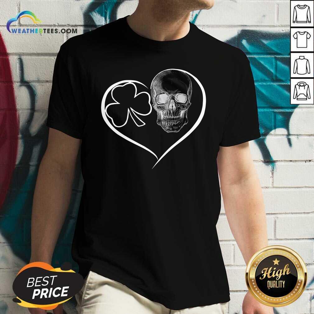 Skull Heart St Patricks Day V-neck - Design By Weathertees.com