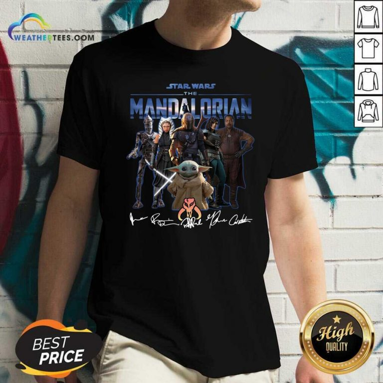 Star Wars The Mandalorian And Baby Yoda Signatures V-neck - Design By Weathertees.com