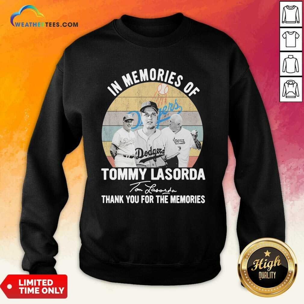 In Memories Of Tommy Lasorda Thank You For The Memories Signatures Vintage Sweatshirt - Design By Weathertees.com