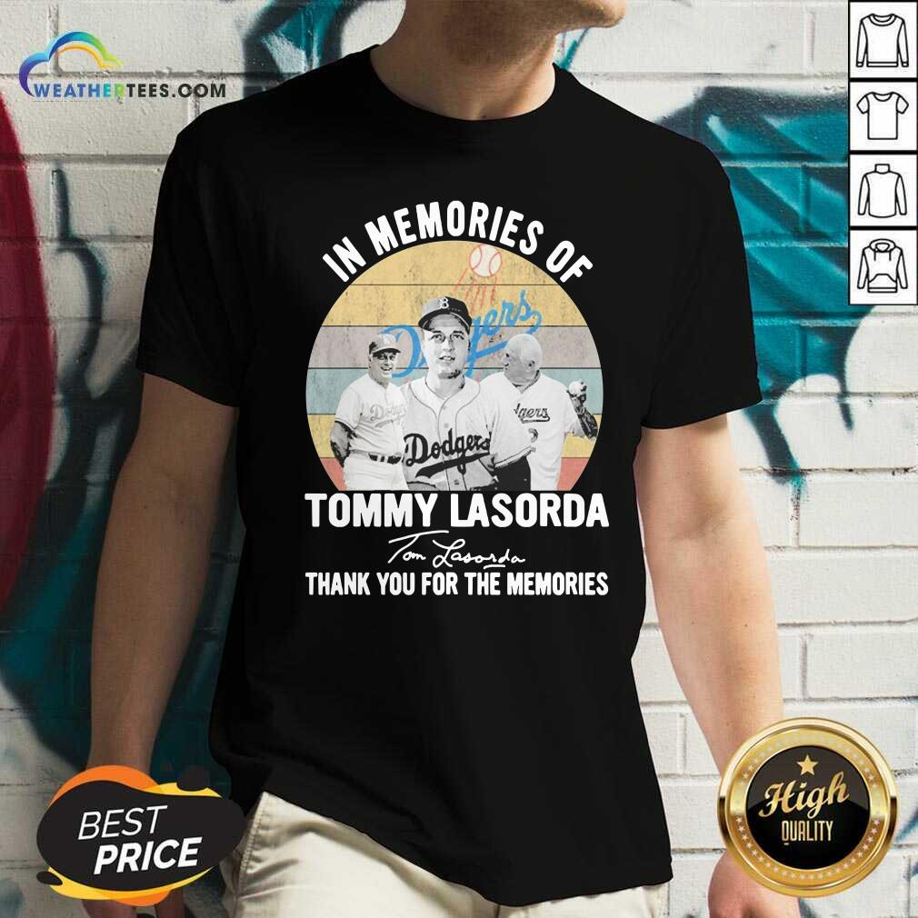 In Memories Of Tommy Lasorda Thank You For The Memories Signatures Vintage V-neck - Design By Weathertees.com