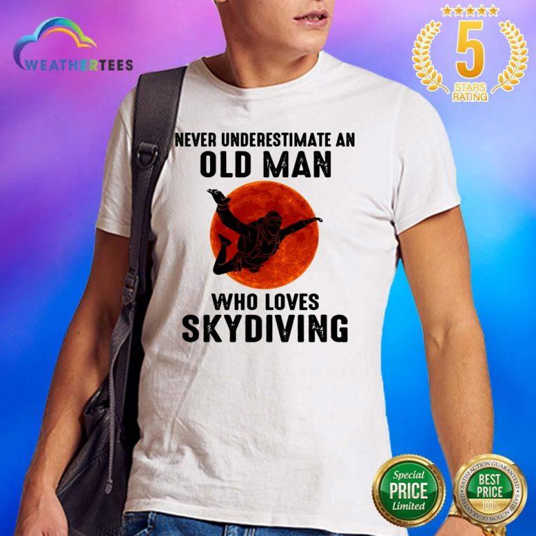 Hot 12 Old Man Loves Skydiving Shirt - Design by Weathertee.com