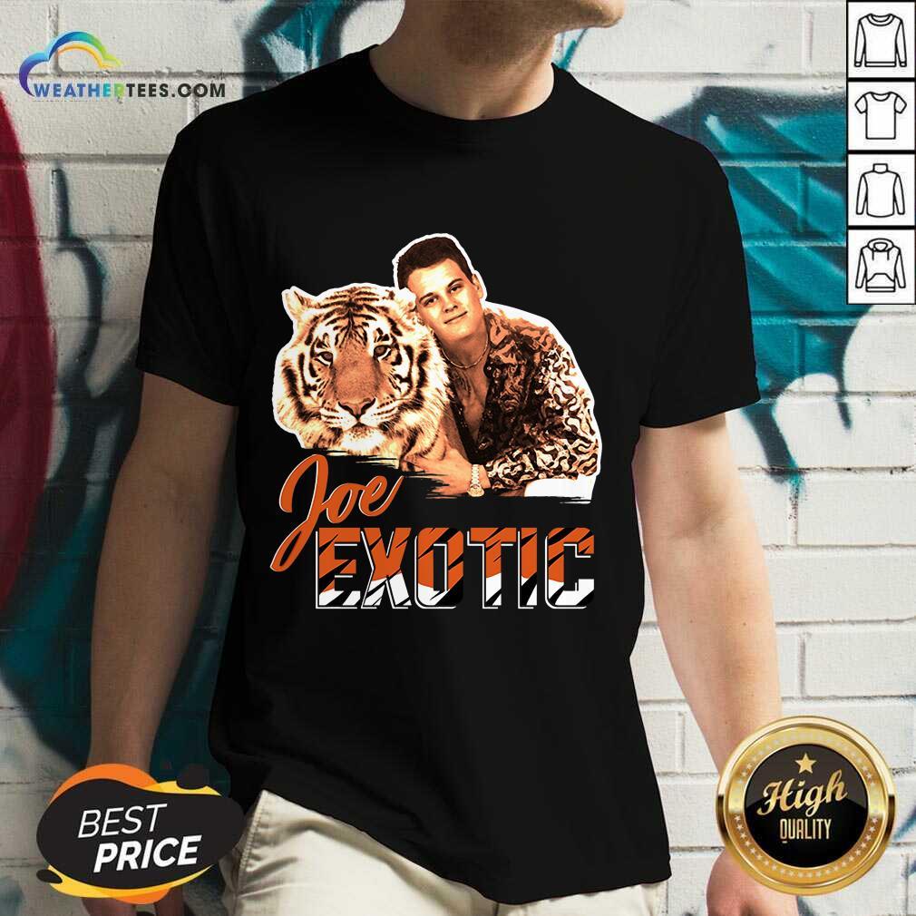 Official Joe Burrow Tigers King Joe Exotic V-neck